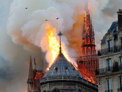 Le fiamme del Notre-Dame de Paris